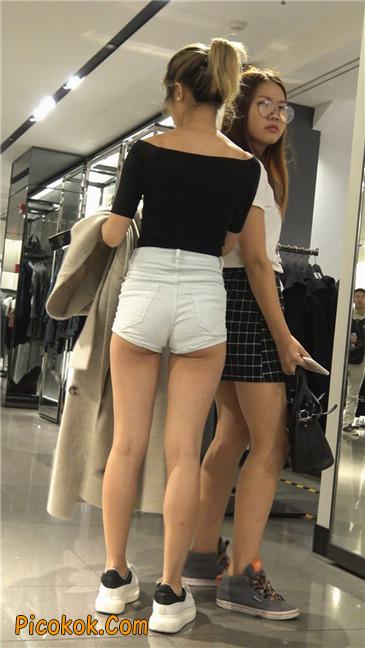 超短白热裤俏皮小翘臀都露了出来5