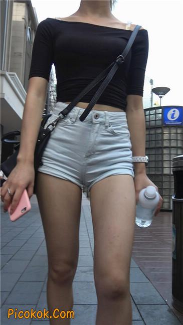 超短白热裤俏皮小翘臀都露了出来13