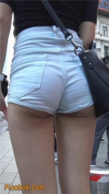 超短白热裤俏皮小翘臀都露了出来14