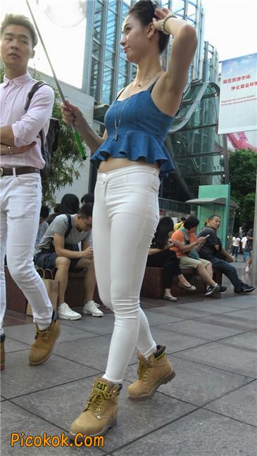 秀自拍的紧身白裤少妇1