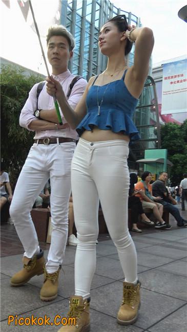 秀自拍的紧身白裤少妇2