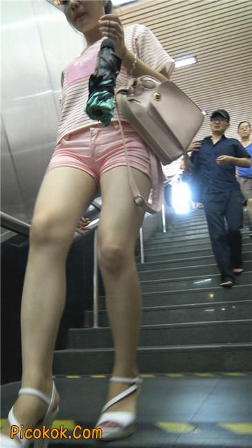 紧身粉色热裤美腿裙美少妇4