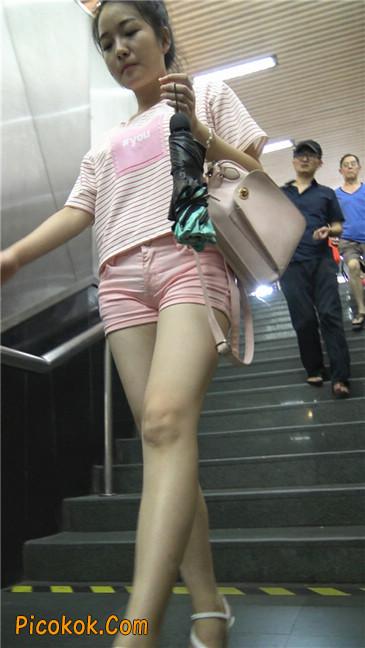 紧身粉色热裤美腿裙美少妇5