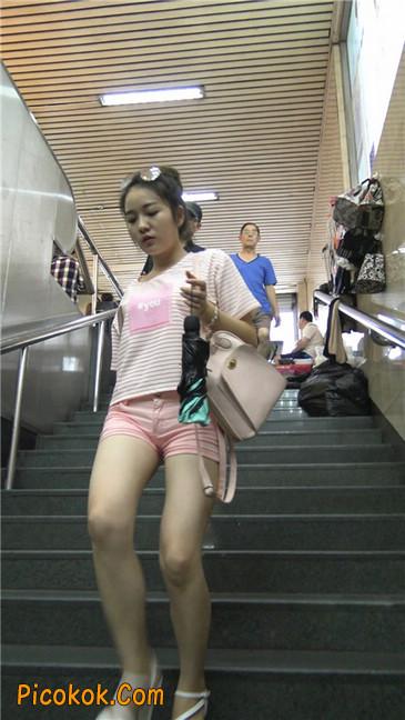 紧身粉色热裤美腿裙美少妇6