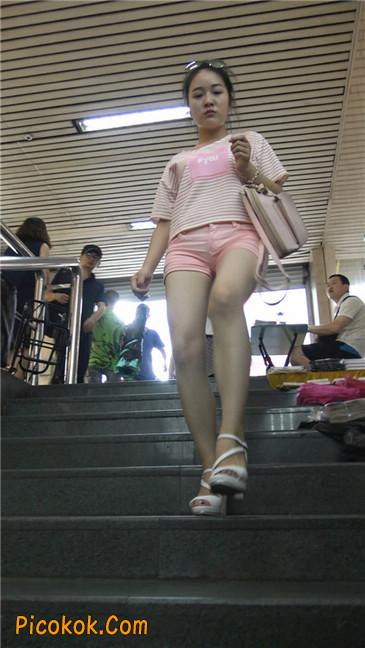 紧身粉色热裤美腿裙美少妇7