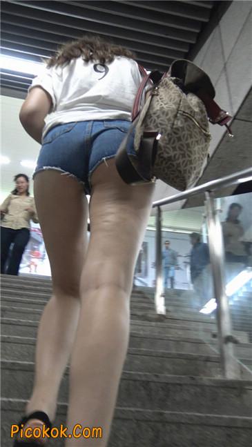 超性感超短热裤露半臀洋妞1