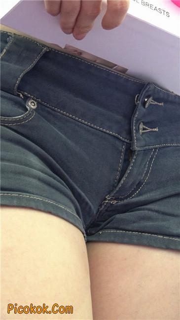 上海美博会超性感紧身短裤美女3