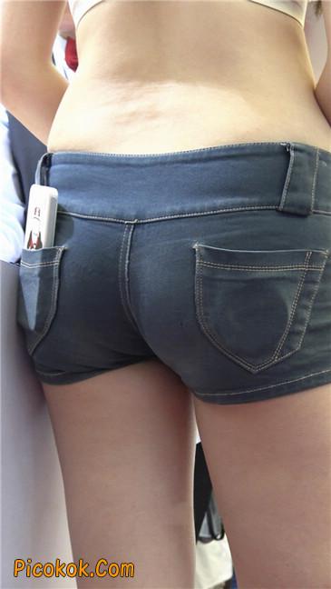 上海美博会超性感紧身短裤美女7