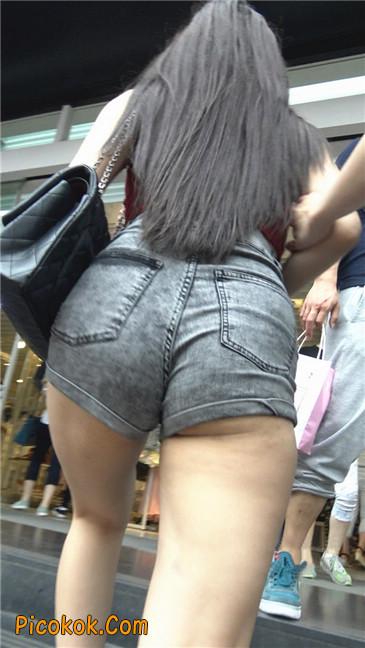 超性感超极品红衣露脐紧三角翘臀凸点美妇