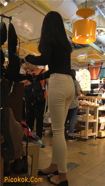 文静舒雅的紧身白裤美女5
