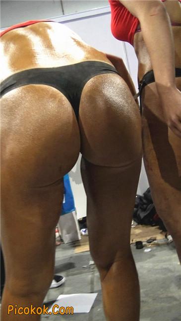 美臀比赛美女后台涂抹黑油第二季4