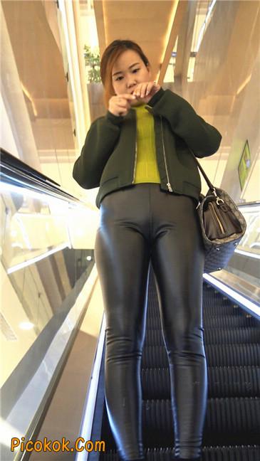 颇具韵味的皮裤少妇3