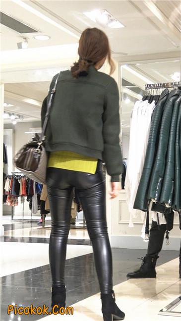 颇具韵味的皮裤少妇6