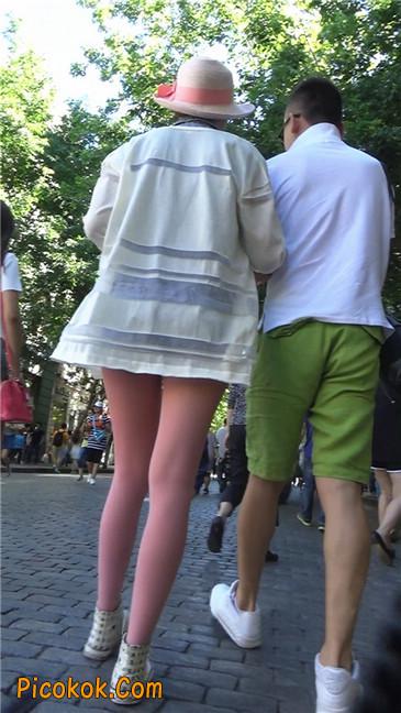 罕见的粉色丝袜高挑凉帽美女
