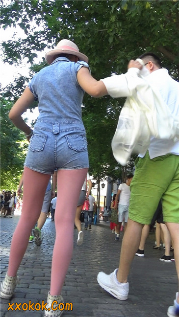 罕见的粉色丝袜高挑凉帽美女2