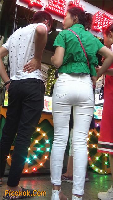 细腰美臀紧身白裤少妇5