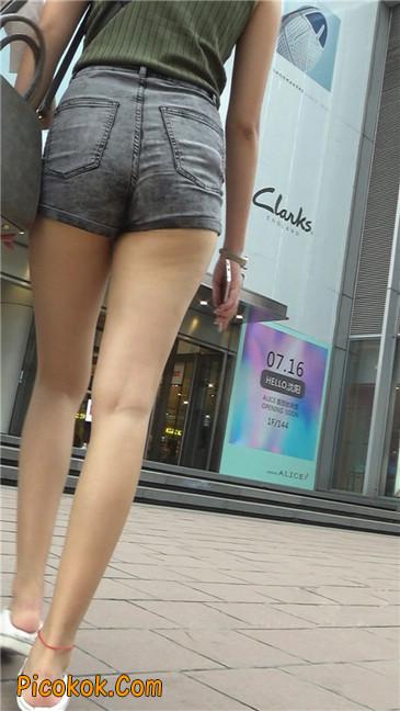 很有气质的长腿热裤美女1