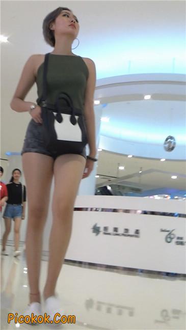 很有气质的长腿热裤美女10