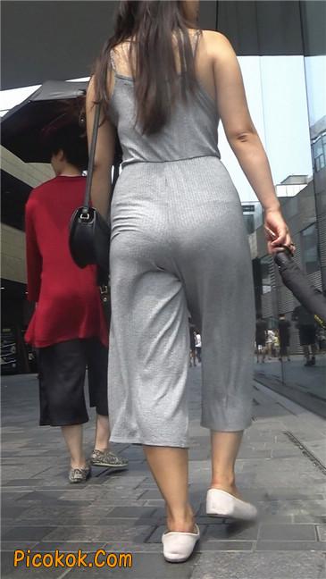 欲望满身的七分长裤少妇