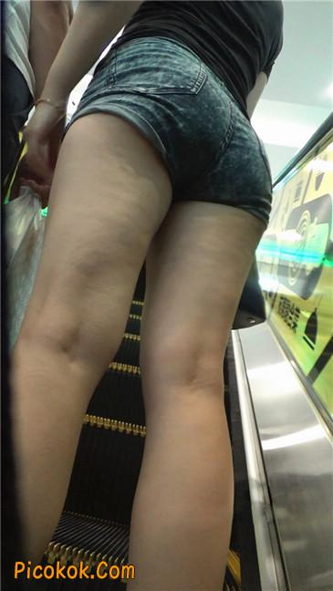 性感的丰臀热裤女教师12