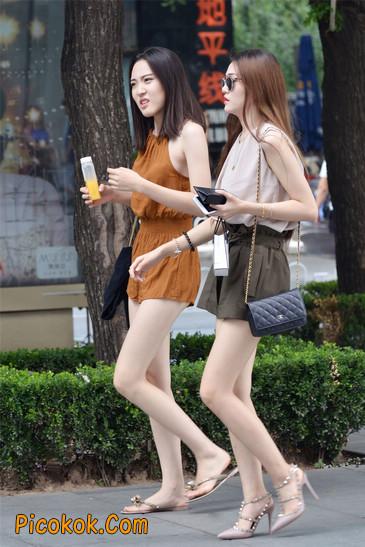 两个极品高跟美腿美女
