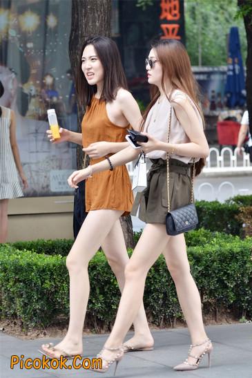 两个极品高跟美腿美女1