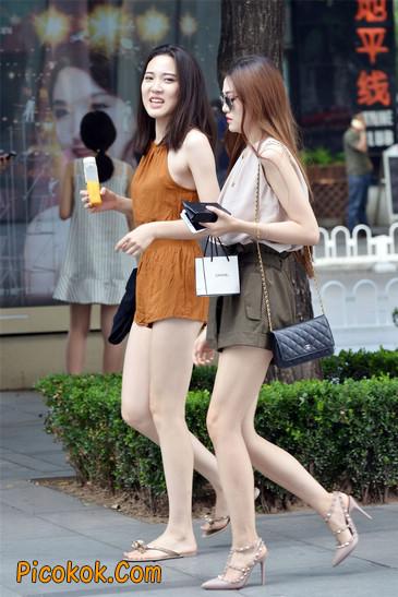 两个极品高跟美腿美女3
