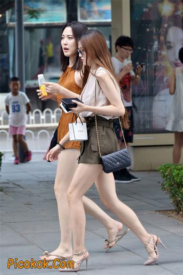 两个极品高跟美腿美女6