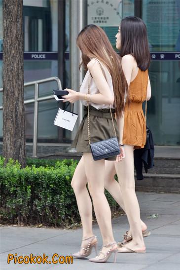 两个极品高跟美腿美女8