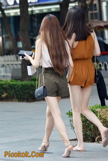 两个极品高跟美腿美女11