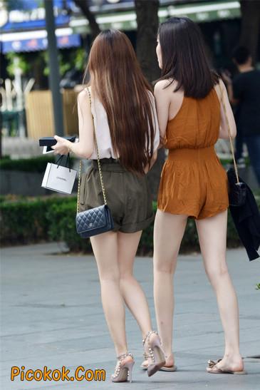 两个极品高跟美腿美女12