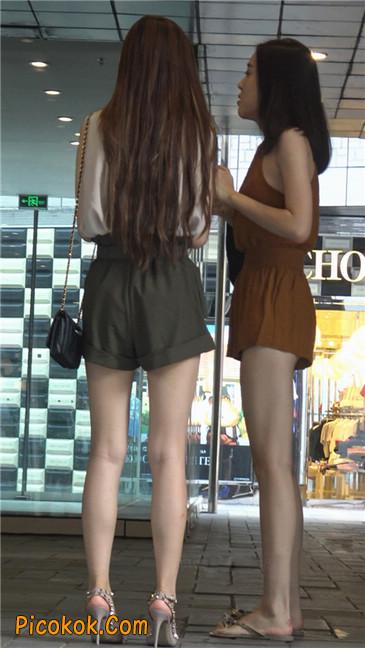 两个极品高跟美腿美女18