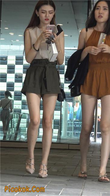 两个极品高跟美腿美女21