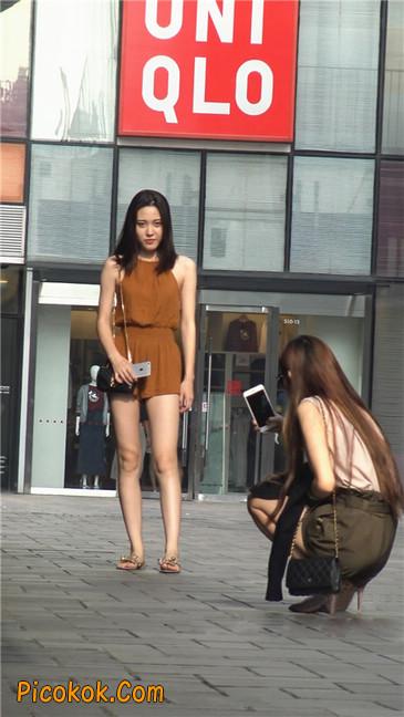 两个极品高跟美腿美女31