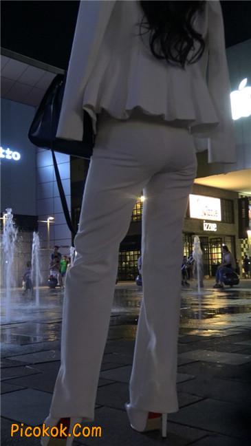 黑夜里的白高跟白裤白衣美女OL6