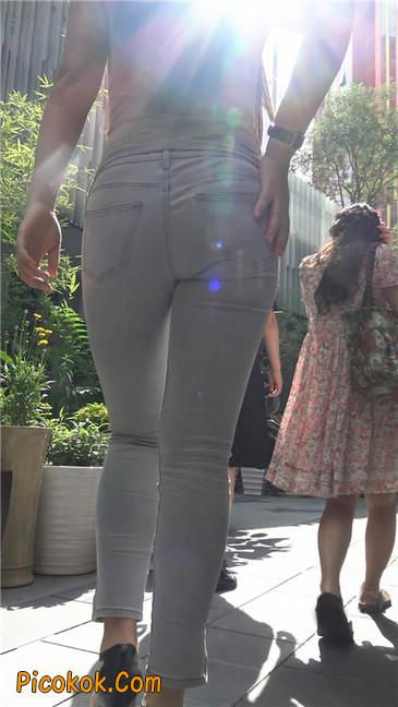 极品紧身灰色牛仔裤丰腴美臀国产美妇3