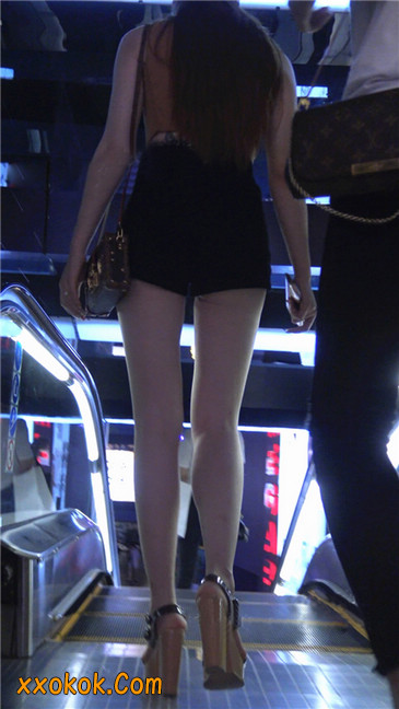 极品高跟黑热裤大长腿美女9