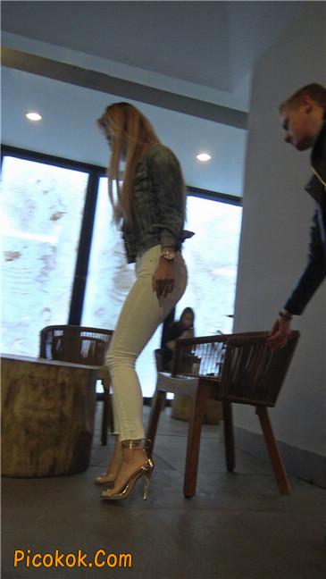 金色高跟紧身白裤野性时尚美臀小美女1