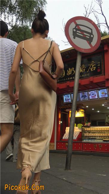 性感开背金色包臀裙高跟美臀俏佳人1