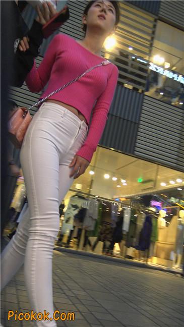 性感开背紧身白裤翘臀美女1