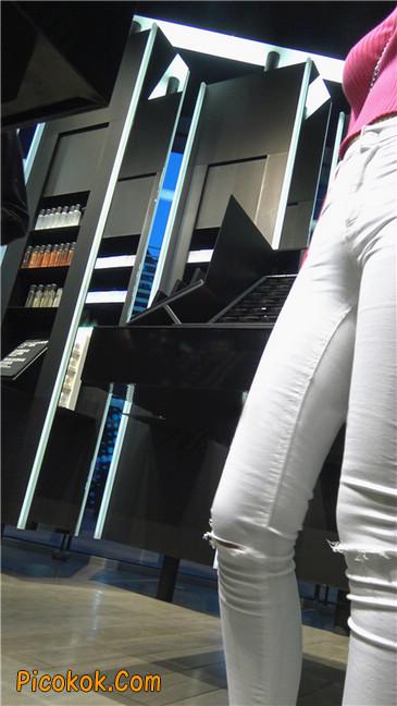 性感开背紧身白裤翘臀美女10