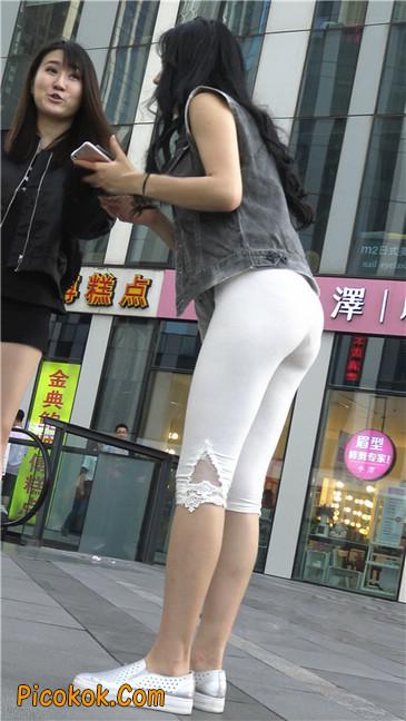 极品俏皮白色打底裤翘臀美眉5