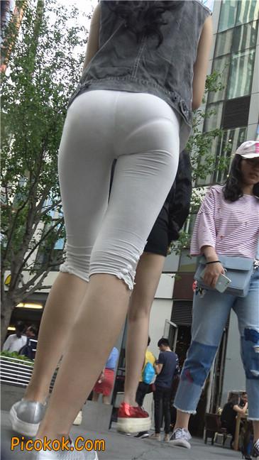 极品俏皮白色打底裤翘臀美眉9