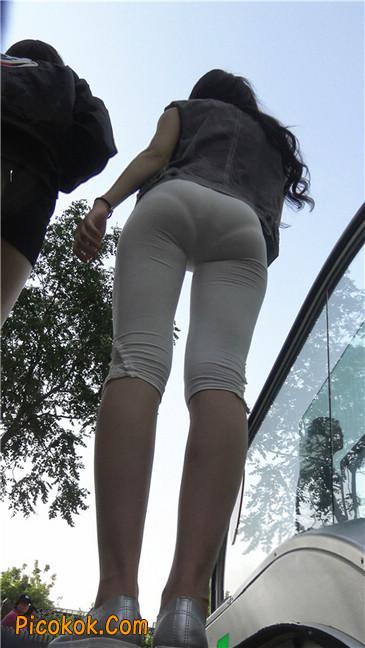 极品俏皮白色打底裤翘臀美眉15