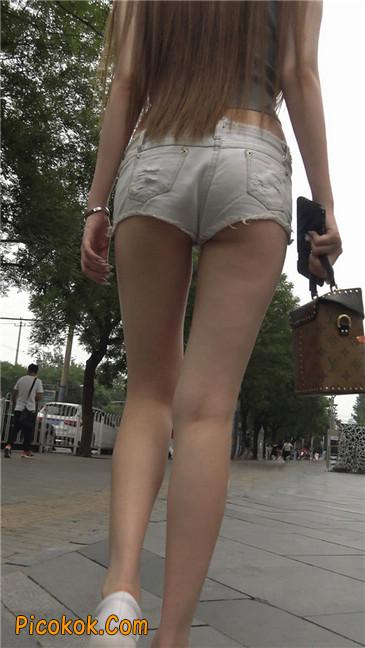 国产雪白肌肤超短热裤露脐蛮腰美女7