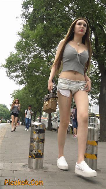 国产雪白肌肤超短热裤露脐蛮腰美女13