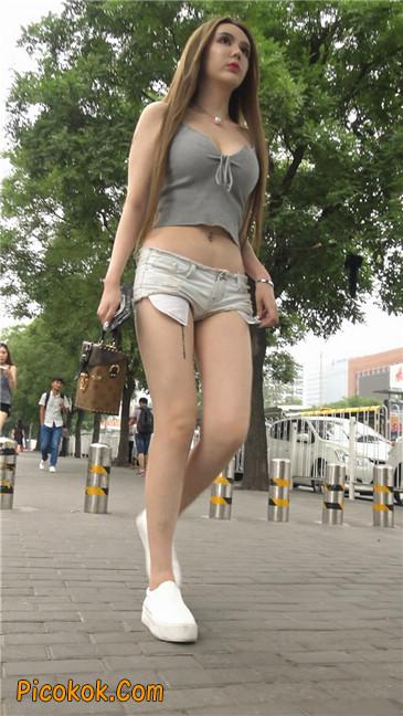 国产雪白肌肤超短热裤露脐蛮腰美女14