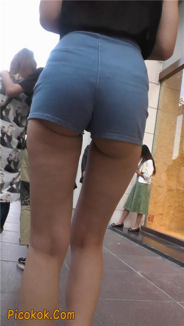 强烈推荐,街拍超极品的透视装性感包臀美女,视频绝对让你冲动2