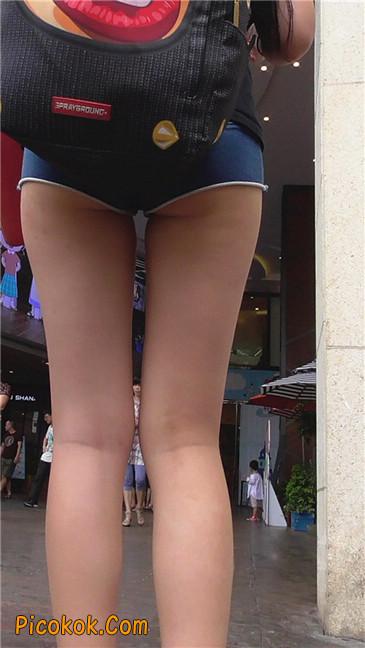 这热裤也实在是太短了吧?大家怎么看?我反正很无语5