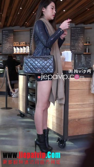 街拍身材好到爆的高挑短裙性感美女31